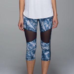 NWOT Blue & White Lululemon Crop Mesh Leggings